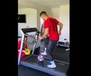 ویدیو| چالش حفظ تعادل و عبور از موانع