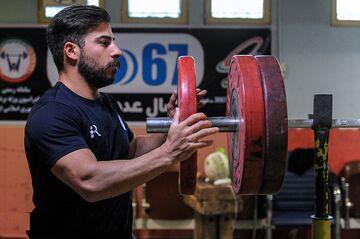 خبر تلخ در مورد کیانوش رستمی/ ستاره وزنه برداری ایران المپیک را از دست داد