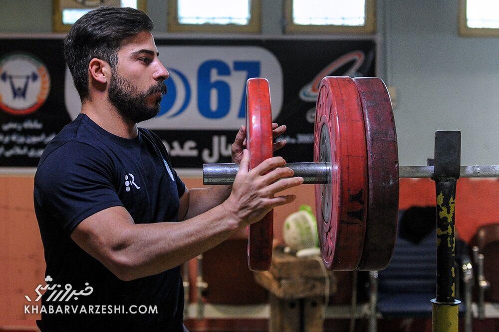 مدال طلا و نقره ۲ وزنهبرداری ایران به کمیته المپیک تحویل داده شد