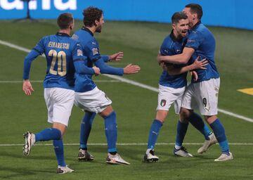 برد شیرین ایتالیا برابر لهستان در خانه؛ آتزوری در صدر گروه