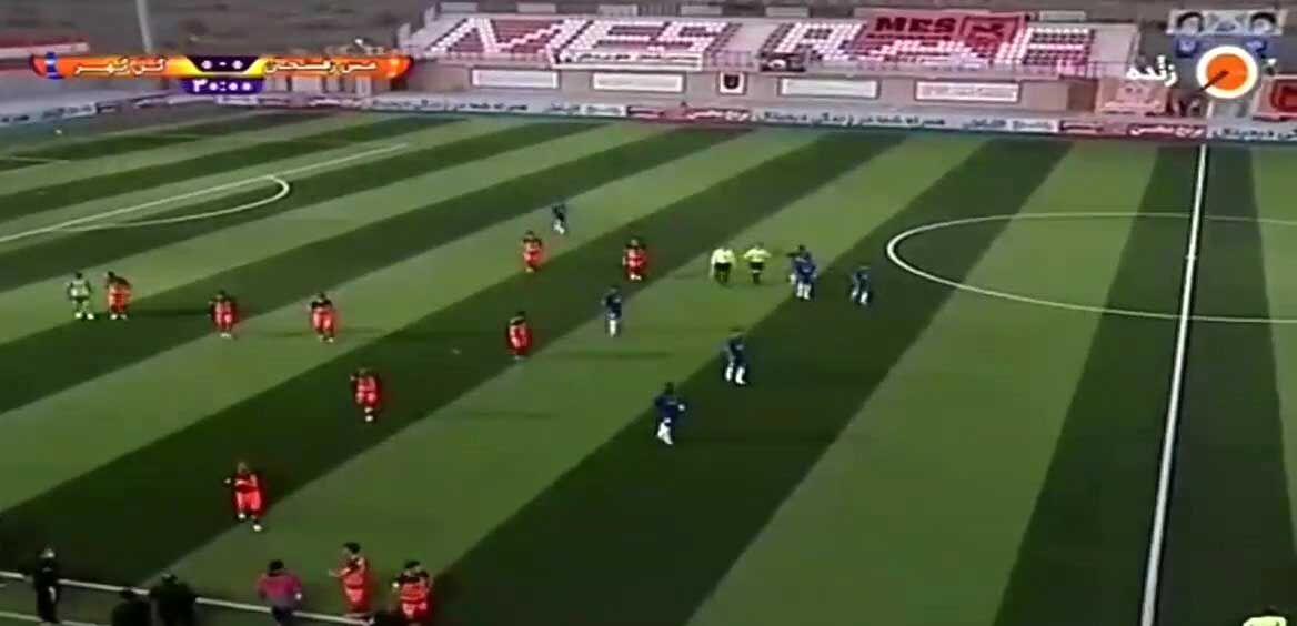 ویدیو  سوتی عجیب گزارشگر شبکه ورزش در بازی مس رفسنجان - گلگهر