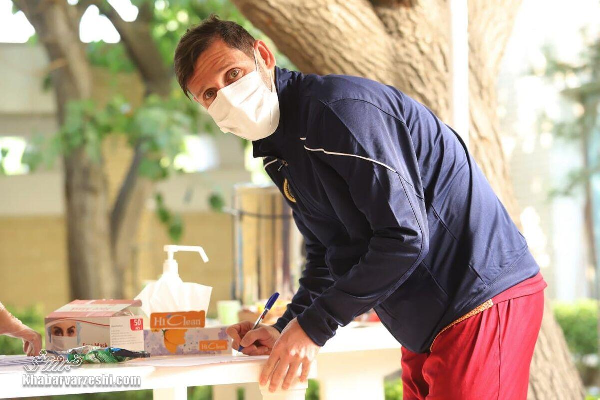 محمدرضا خلعتبری: سیگار برگ مارادونا را یادگاری نگه داشتهام