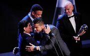 عکس| واکنش رونالدو به درگذشت مارادونا