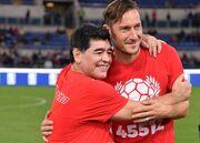 توتی خطاب به مارادونا: تو تاریخ فوتبال را نوشتی