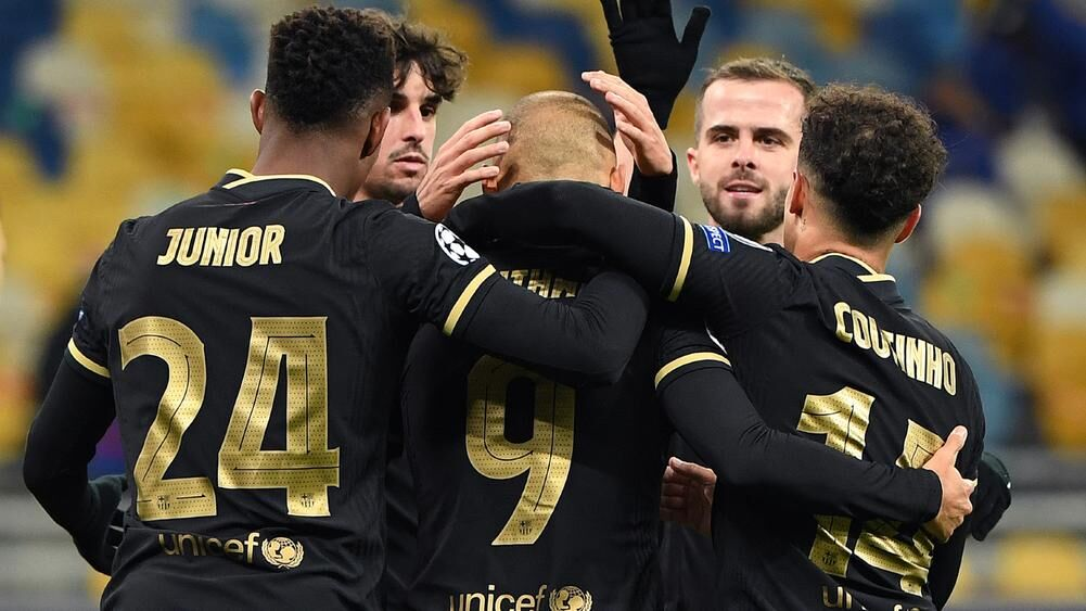ویدیو  خلاصه بازی دیناموکیف ۰-۴ بارسلونا