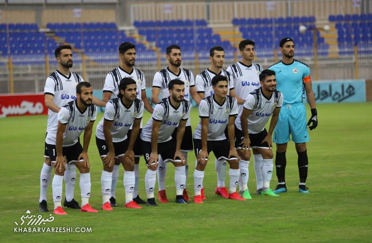 عکس تیمی نفت مسجدسلیمان مقابل پرسپولیس