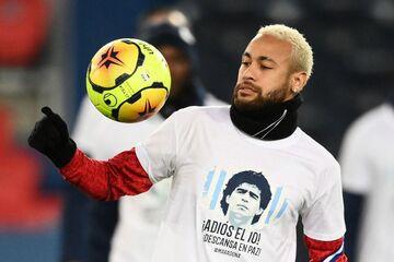 عکس روز| پیراهن یادبود مارادونا بر تن بازیکنان پاریسنژرمن