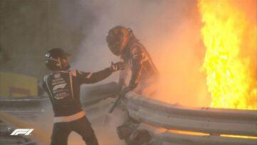 عکس| واکنش قهرمان جهان به آتشسوزی فرمول یک