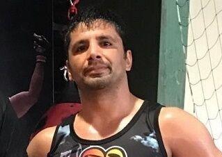 مازیار الهامی: کمربند قهرمانی MMA را به ایران میآورم