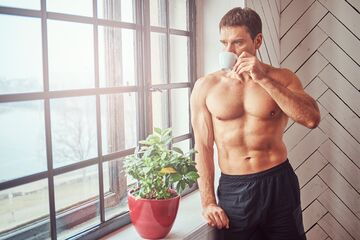 ۵ دلیل برای مصرف کافئین قبل از تمرین