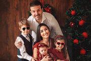 عکس| خانواده استراماچونی قرمزپوش شدند