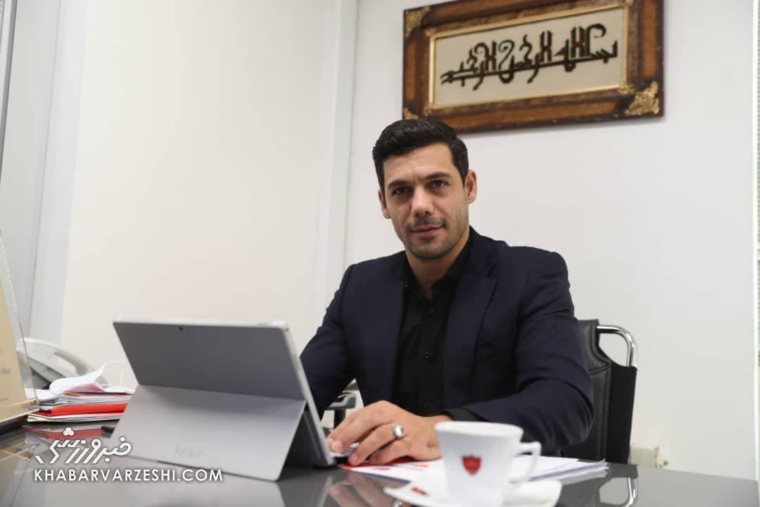 حضور ابراهیم شکوری در فدراسیون فوتبال