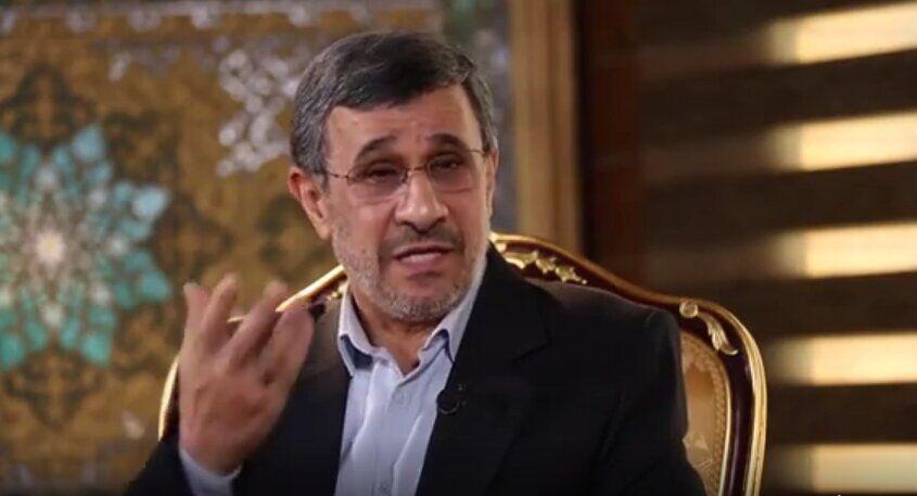 ویدیو| روزی که علی دایی احمدی نژاد را به رختکن راه نداد/ آقای گل را اخراج کردند!