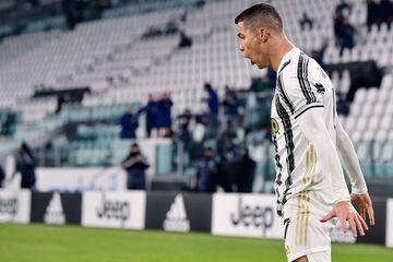 عکس| کریستیانو رونالدو بالاتر از بیست باشگاه لیگبرتر انگلیس!