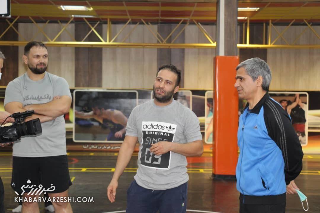 تمرینِ کمیل قاسمی و حسن رحیمی در آکادمی کشتی اکبر فلاح