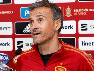 لوئیس انریکه: پدری را هم به تیم ملی اسپانیا دعوت میکنیم
