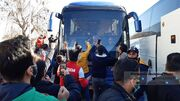 عکس| هجوم هواداران پرسپولیس برای حضور در استادیومِ اراک