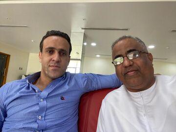 عکس| حضور علی کریمی در باشگاه الاهلی امارات