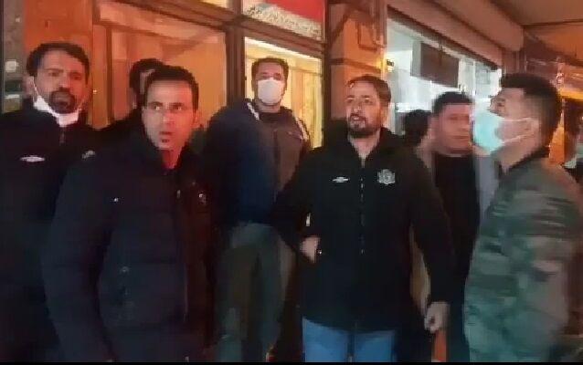 ویدیو| اعتراض هواداران تراکتور به عباسی: دست از سر ما بردار