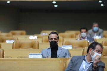 عکس| آغاز جنگ علی کریمی با فدراسیون عزیزی خادم