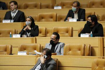 تصاویر| لحظه ترک سالن انتخابات توسط علی کریمی/ کریمی تشویق شد و رفت