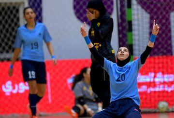عکس| خشونت عجیب دختران فوتسالیست ایرانی در کویت/ کریمی راهی بیمارستان شد