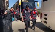 ویدیو| ورود بازیکنان پرسپولیس به ورزشگاه تختی آبادان برای دیدار با صنعت نفت