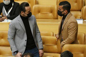 واکنش علی کریمی به یک کاندیدای انتخابات ۱۴۰۰/ نزدیکان کاندیداها در اطراف اردوی تیم ملی!