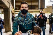 عکس| لیونل مسی پای صندوق رأی انتخابات بارسلونا