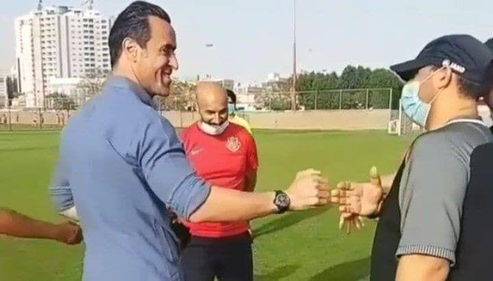 علی کریمی در کمپ باشگاه شباب الاهلی امارات