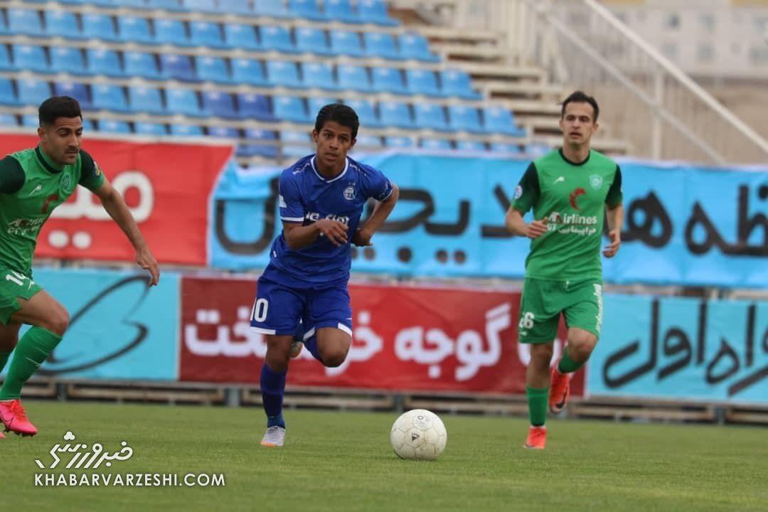 مجیدی قید دو بازیکن استقلال را میزند