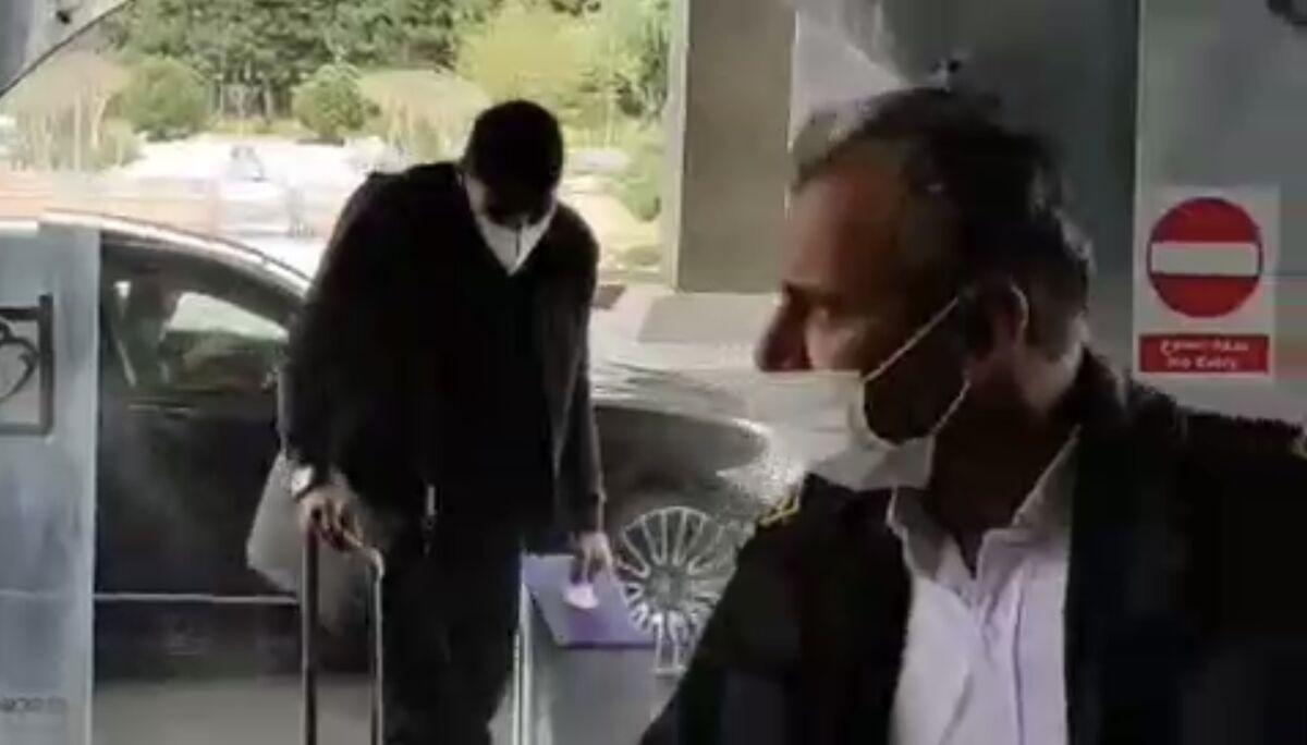 ویدیو| ورود مهدی طارمی با PS5 به اردوی تیم ملی فوتبال!
