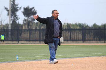 نگاهی به کارنامه حرفهای نادر دست نشان، ستاره فوتبال مازندران