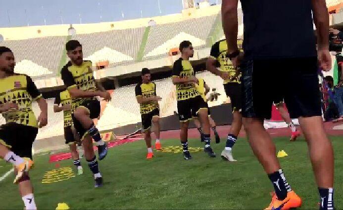 ویدیو| گرم کردن بازیکنان نساجی پیش از بازی با پرسپولیس