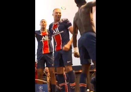 ویدیو| شادی بازیکنان پاریسنژرمن در رختکن پس از غلبه بر بایرن