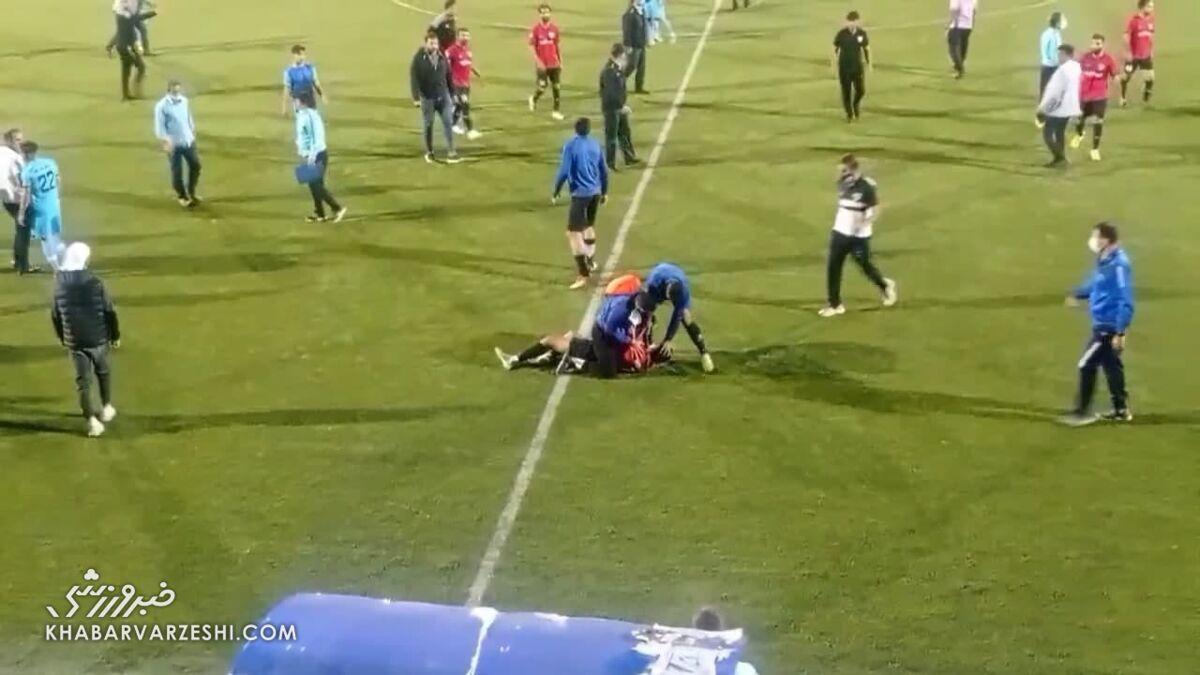 توجیه عجیب درگیری وحشتناک در لیگ دو/ بازیکنان روزه بودند!