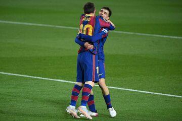 بارسلونا ۵ - ختافه ۲/ کاتالانها امیدوار به قهرمانی