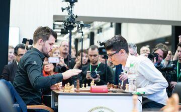 اعتراف مرد شماره یک شطرنج جهان/ فیروزجا نامزد اصلی قهرمانی در جهان است