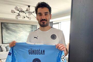 کمک بزرگ ستاره فوتبال برای مسلمانان نیازمند در ماه رمضان
