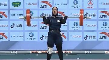 ویدیو| شکسته شدن رکورد وزنهبرداری توسط بانوی ایرانی