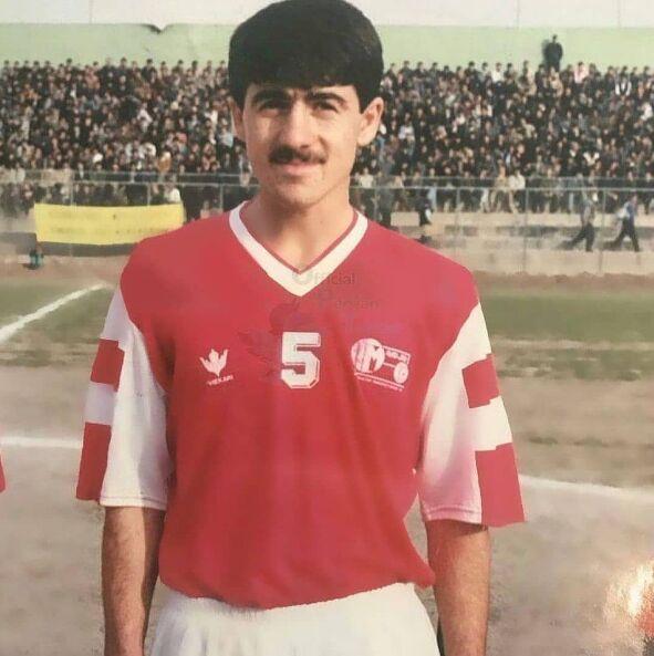 تصویری باورنکردنی از اولین روزهای حضور کریم باقری در فوتبال