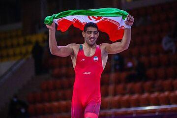 آخرین مرحله گزینشی المپیک کشتی فرنگی در صوفیه/قهرمان المپیک روسیه در گروه علیزاده