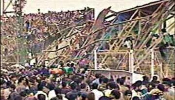 عکس| روز سیاه فوتبال در ساری/ پای پرسپولیس و علی پروین در میان بود