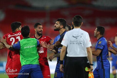 درگیری بازیکنان؛ پرسپولیس - استقلال (دربی تهران)