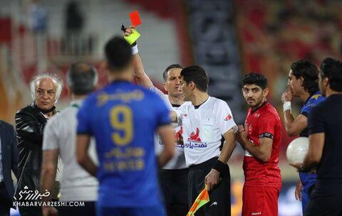 کارت قرمز محمدرضا اکبریان (داور)؛ پرسپولیس - استقلال (دربی تهران)