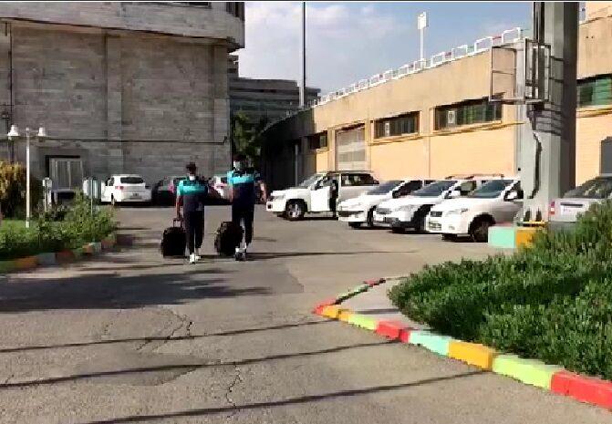ویدیو  اتوبوس پیکانیها خراب شد با ماشین شخصی آمدند!