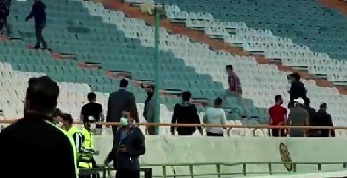 ویدیو| تصاویر عجیب از حضور تماشاگران در ورزشگاه آزادی و تماشای دربی!