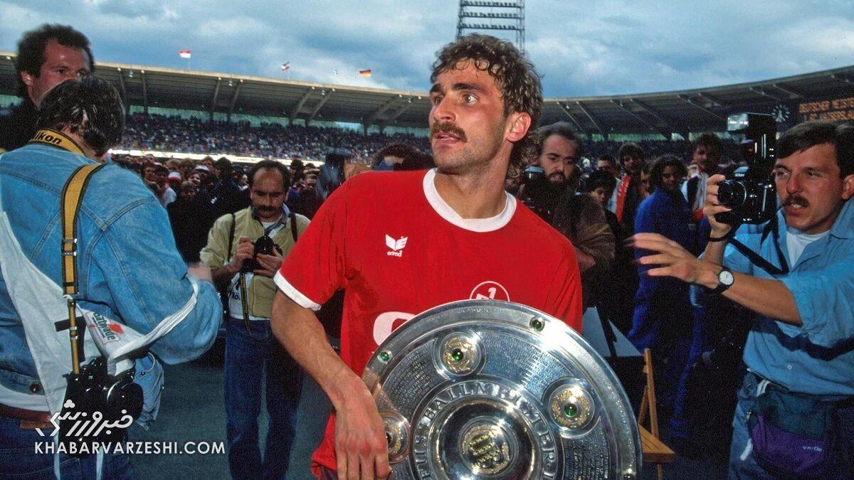 بهترین گلزنان تاریخ بوندسلیگای آلمان (اشتفان کونتس)