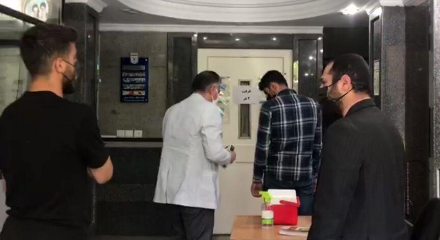 ویدیو  حضور ترابی و فرجی در محل فدراسیون فوتبال