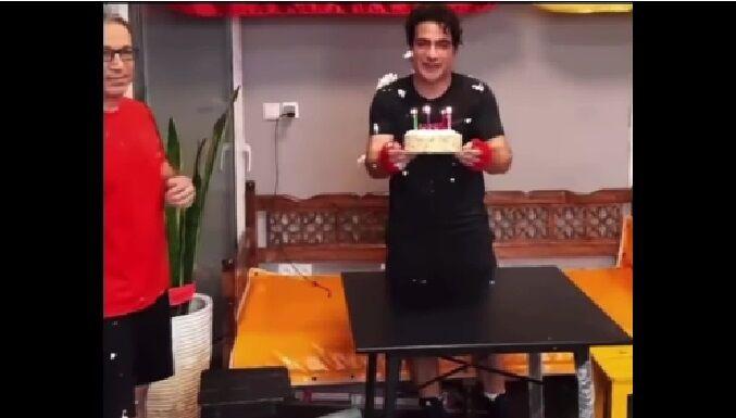 ویدیو  تولد همایون شجریان در باشگاه بوکس